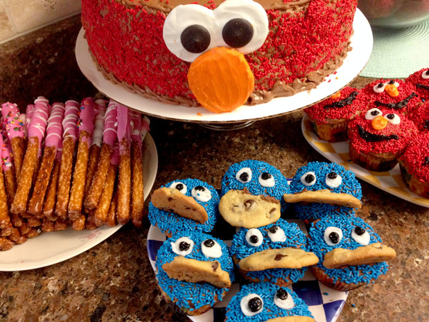PictureDIY Sesame Street Party Cake and Cupcakes