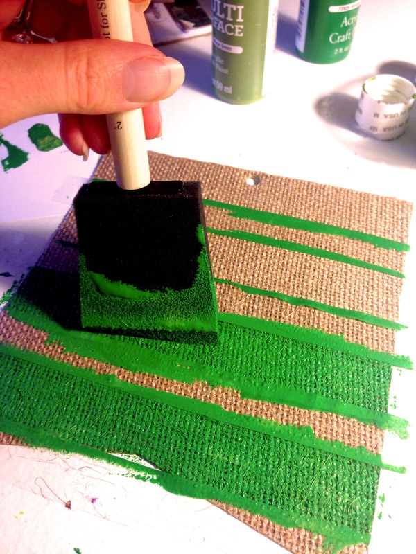 Making Stripes on a Burlap Banner