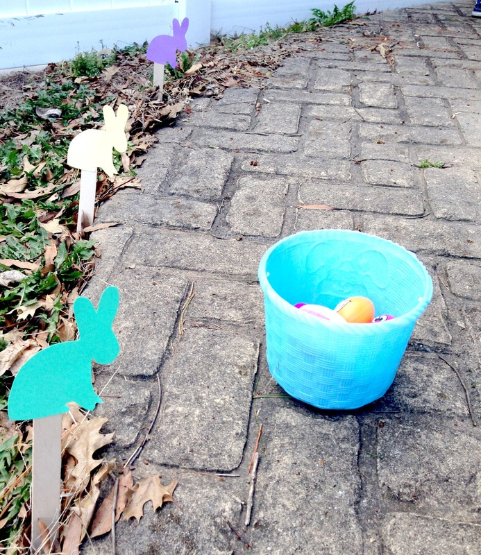 Using Egg Markers for Kids Easter Egg Hunts - free printable