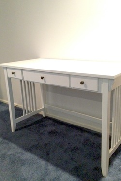 How to Paint an Old Wooden Desk Like a Professional – Just 3 Easy Steps!