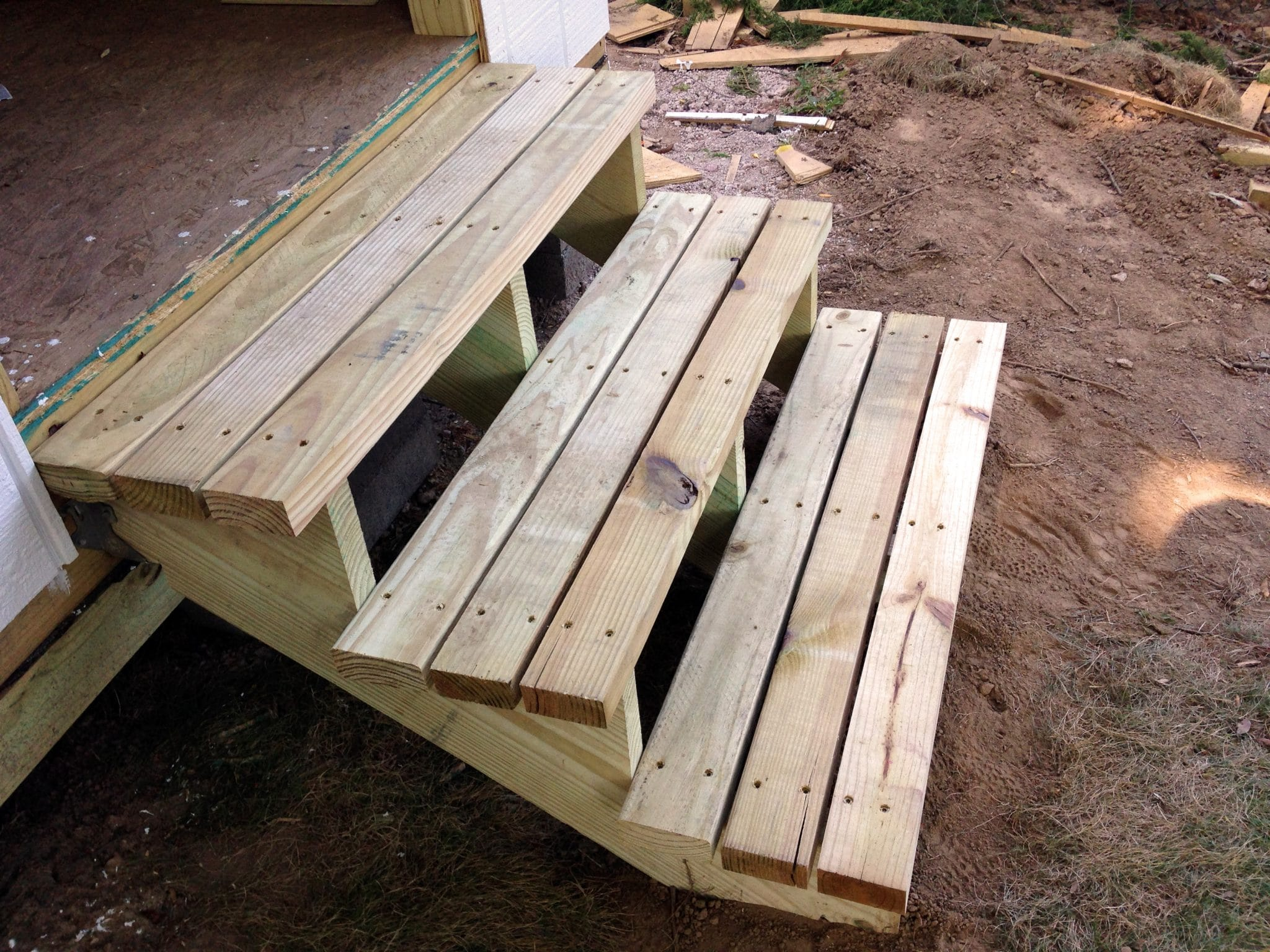 How to Build Easy Ramps and Steps for the Backyard Shed