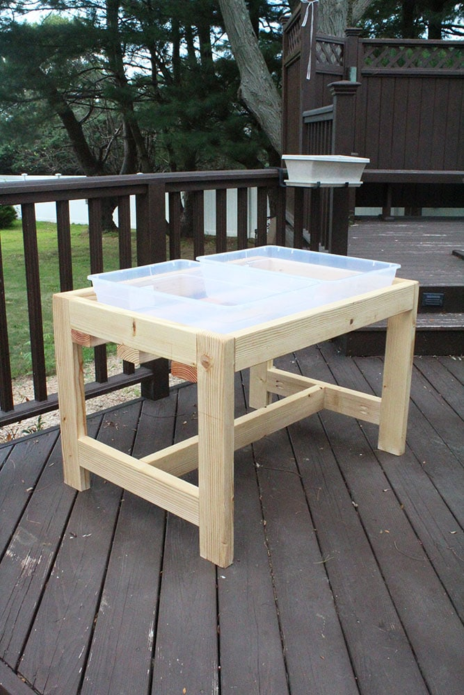 How to Build a DIY Water and Sand Table from 2x4s