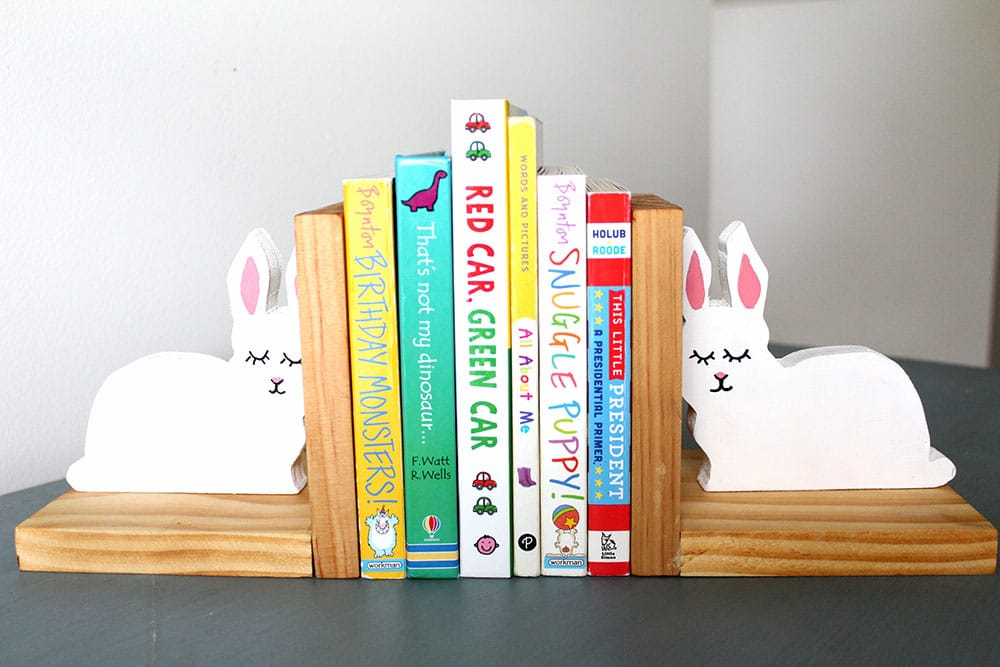 DIY bunny bookends with children's books - easy gift idea