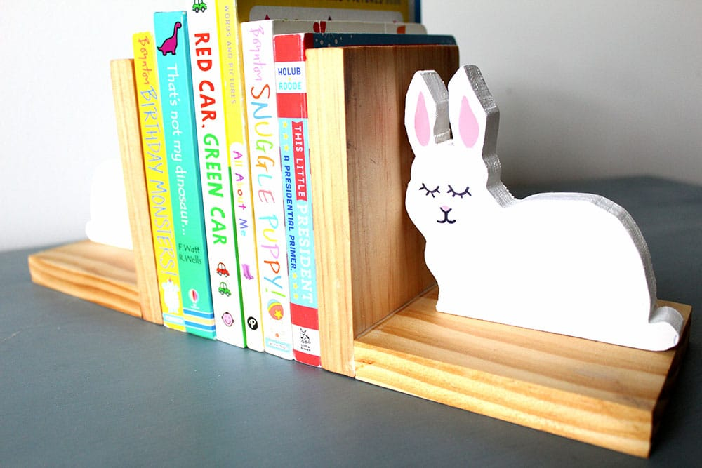 DIY kids bookends with bunnies