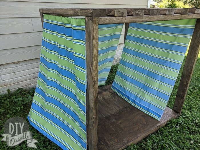 Outdoor Dog Cabana with 2x4s