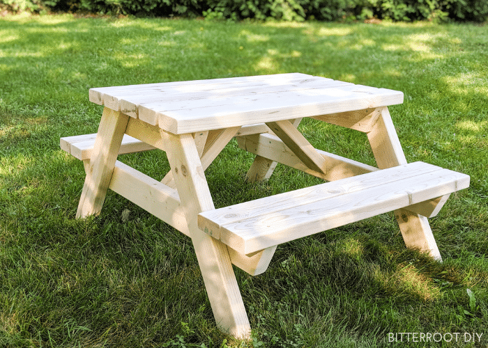 Kids Picnic Table from 2x4s