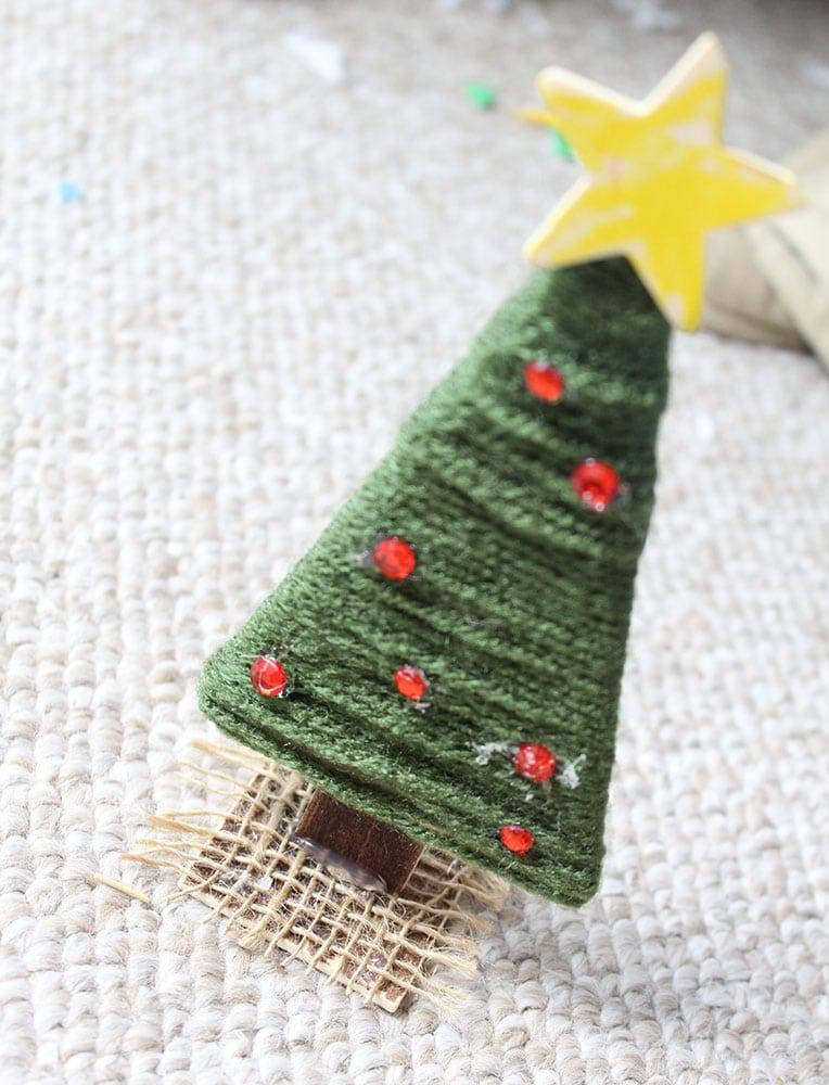 DIY yarn christmas tree for kids