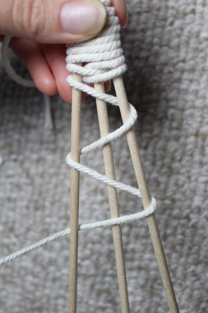 Making a wooden christmas tree using macrame cord