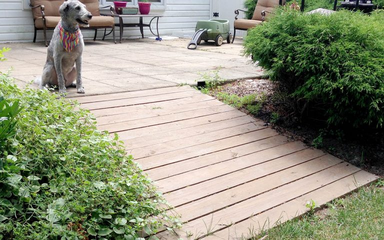 How to Build a Wooden Walkway for the Backyard