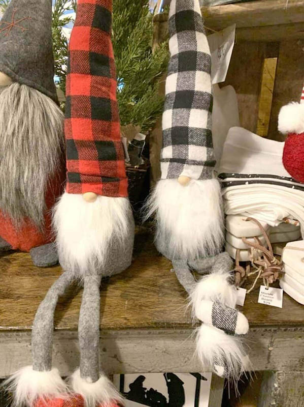 Easy Christmas Crafts for Adults | DIY Gnomes